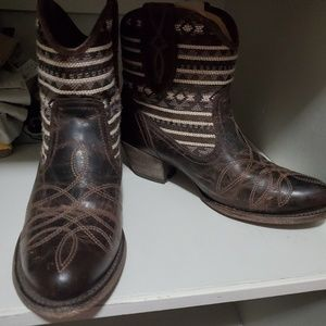 Gorgeous Ariat boots